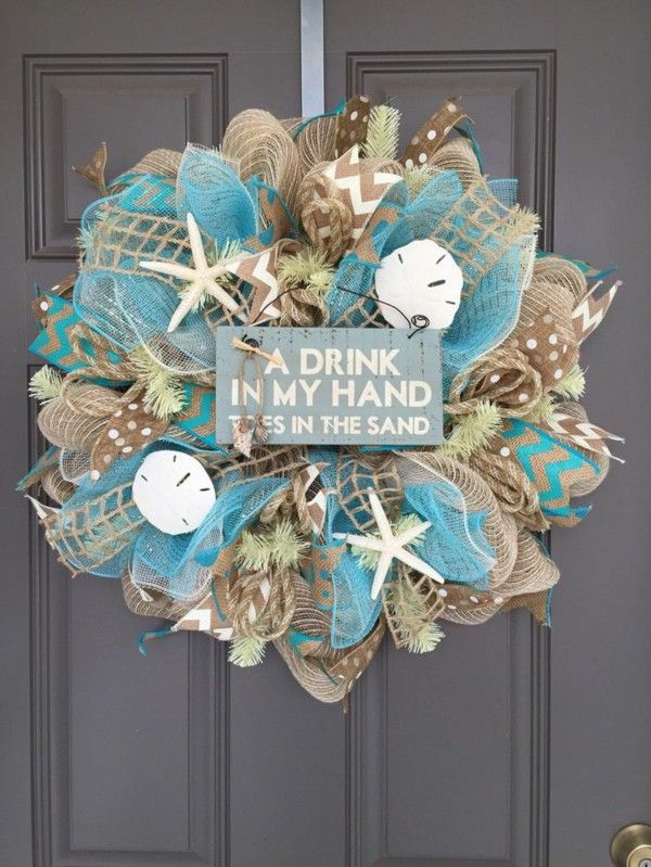 Ornaments with seashells wreath shield