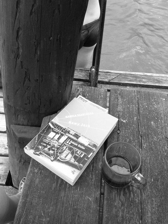 """""""Literackie powroty do ulubionych miejsc. Tym razem mentalna podróż do  Nowego Jorku wraz Kamilą Sławińską. A ciało? W Augustowie.""""  Fot. Magdalena Dziejma"""