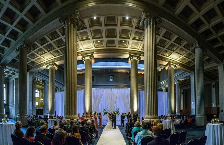 Wedding Ceremony At The Columns In Memphis Tn By Southern Event Planners Weddings Photo Kevin Barre Venue Pinterest