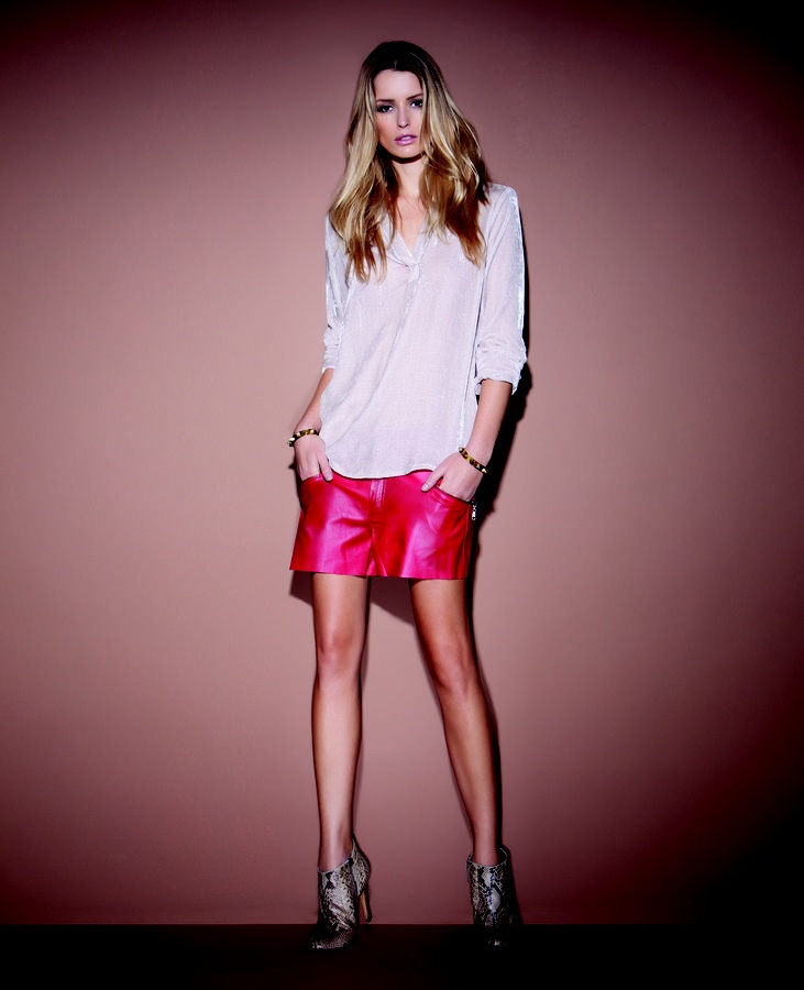 Red leather: Fashion Photo, Animale Não Erra, Shorts Rosa, Animales Não Erra, Ess Shorts, Shorts De Couro, Girls Style, Esse Shorts