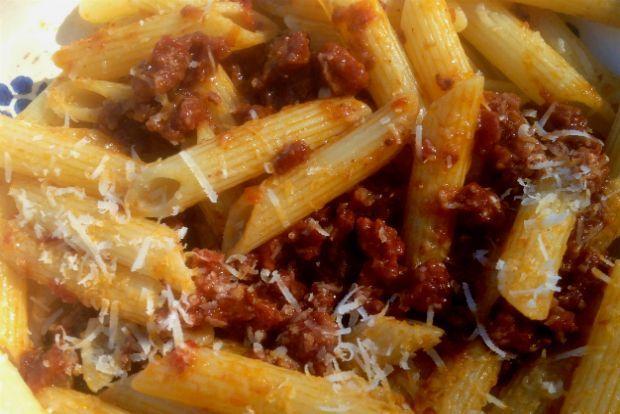 Κι η Τσικνοπέμπτη έχει μακαρονάδα: με λουκάνικο | Κουζίνα | Bostanistas.gr : Ιστορίες για να τρεφόμαστε διαφορετικά