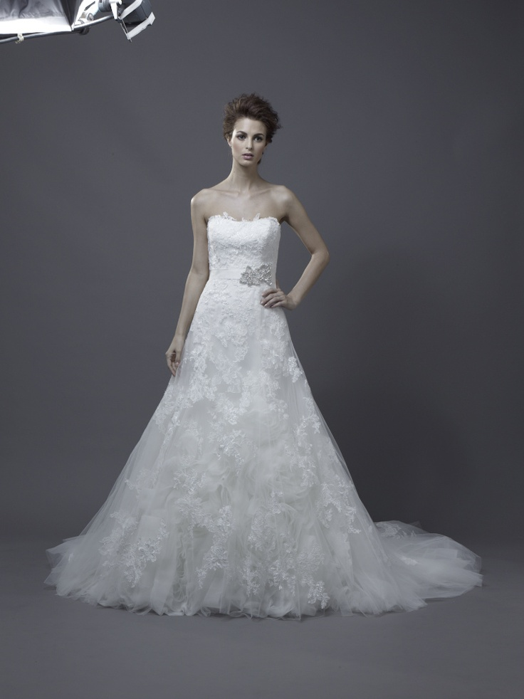 Igen Szalon Enzoani wedding dress - Hasina #igenszalon #weddingdress #enzoani