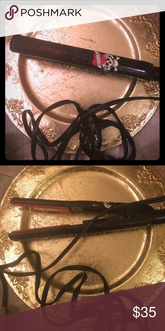 Ed Hardy Black Skull Flat Iron Hair Love Kills EUC. Great product & cute. Works wonderful leaving hair smooth & str8'. Ed Hardy Makeup
