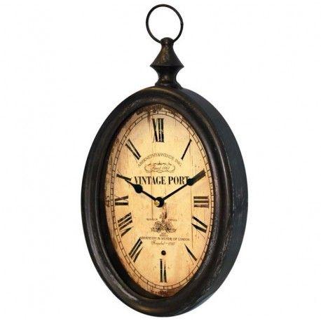 Zegar owalny z rzymskimi cyframi, niezwykle starodawny wygląd podkreśla styl retro.  Więcej na: www.lawendowykredens.pl