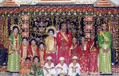 Mappabotting: Upacara Adat Perkawinan Orang Bugis, Sulawesi Selatan | Melayu Online
