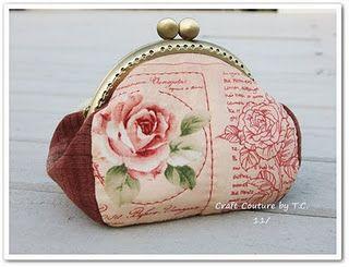 Vintage Rose Frame Purse: Tutorial and Pattern
