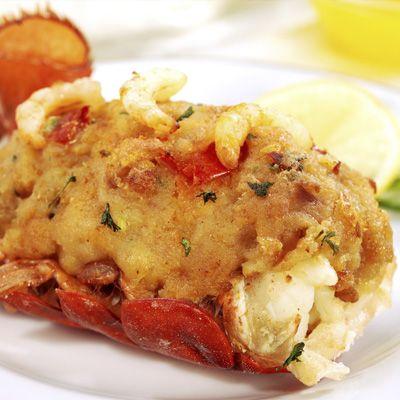 Queues de homard grillées, beurre au gingembre et à la lime