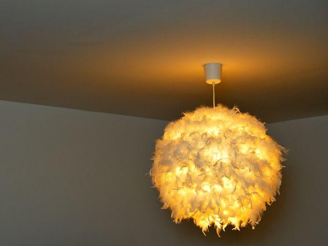Heute starten wir mit einem DIY. Da wir uns lange unsicher waren, welche Lampen in welchen Räumen wohl die richtigen sind, hatten wir teilweise nur Glühbirnenfassungen an unseren Decken hängen. Doc...