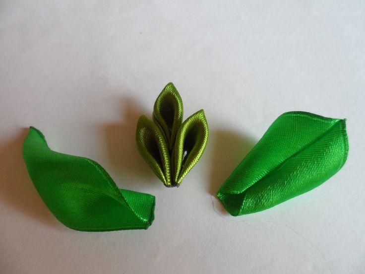 Мастер класс Как сделать разные листочки КАНЗАШИ Réaliser de jolies feuilles vertes pour orner des fleurs Kanzashi