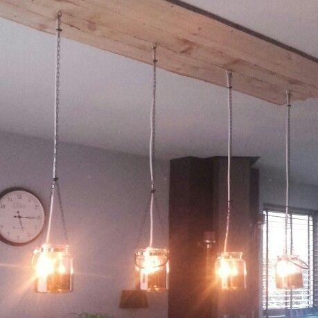 Onze eigen gemaakte lamp met inspiratie van de foto's op dit bord. Trots op mijn kanjer!!