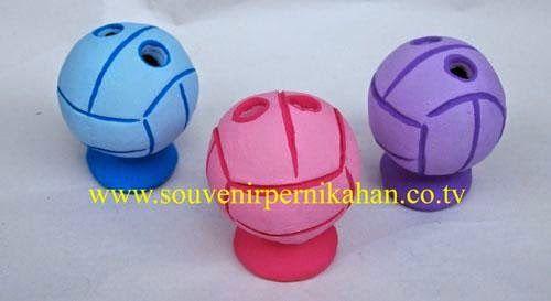 souvenir tempat pensil berbentuk bola khas jogjakarta