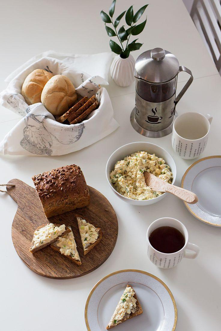 Pasta na kanapki. Przepis na śniadanie. Pasta z makreli. Slow food. Breakfast ideas.