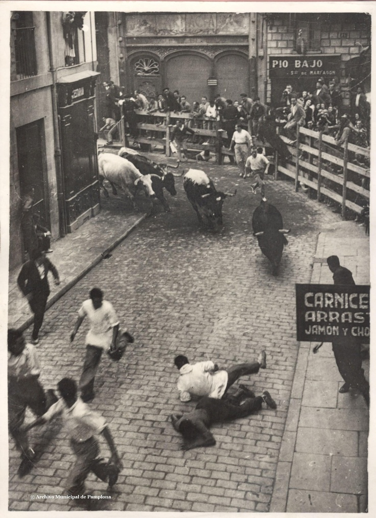 Encierro 1932: Running of the bulls in Pamplona, Spain
