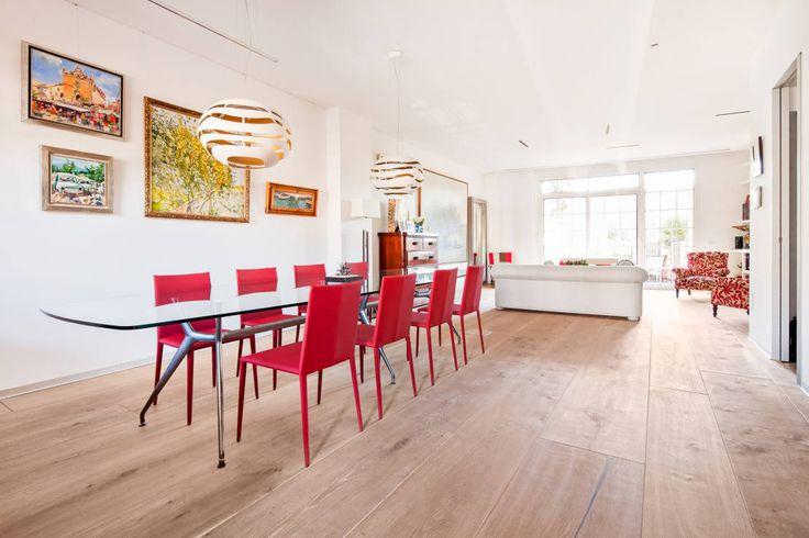 Una casa calda e accogliente, ma modernissima! #case #interior #decor https://www.homify.it/librodelleidee/392518/una-casa-calda-e-accogliente-ma-modernissima
