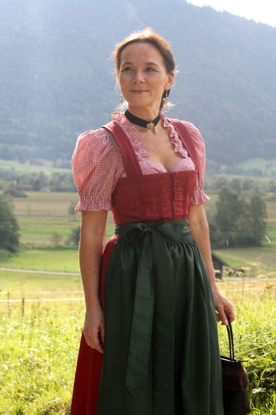 https://i.pinimg.com/564x/3c/5e/5b/3c5e5b1bab8c36035efbf51ebcb1b645--mode-outfits-munich-oktoberfest.jpg