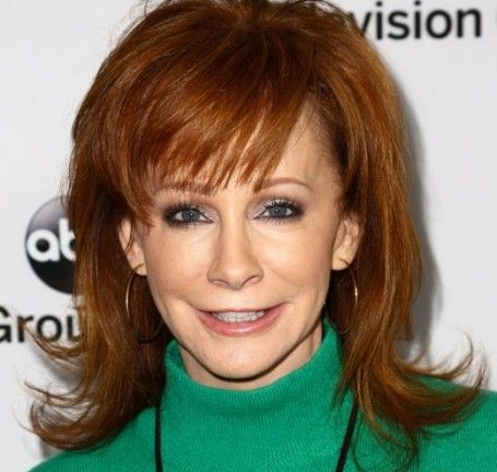 reba hairstyle pictures reba mcentire cant wait to welcome kelly clarkson into her