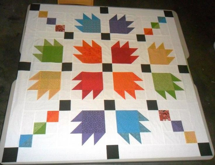 bear paw with chain ~ if I knew how to quilt, this is what I would make ~ in red & aqua, with the main square of the paw split into two triangles <3