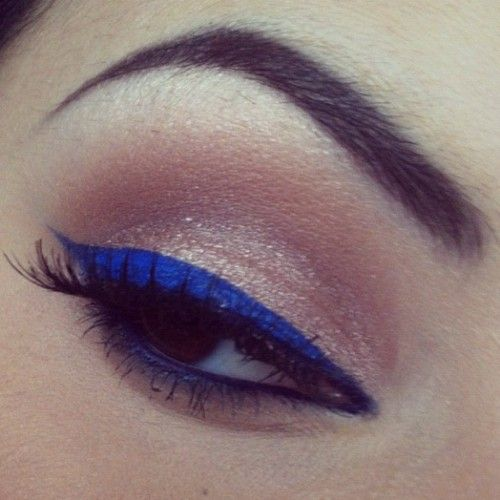 Sexy cobalt liner: Color, Beautiful, Purple Eyeliner, Makeup Blue Eyeliner, Bold Eyeliner, Cobalt Liner, Blue Liner, Bbbbbb Blue, Azul Fashion