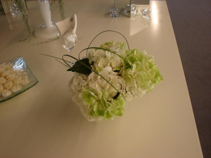 Moustakas flowes- tablecentre with hydrangea #wedding #hydrangea #weddingflowers #centerpieces #summer #chic