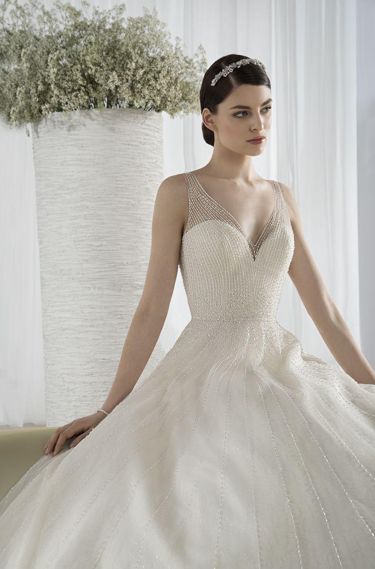 586 - Robe de mariée DEMETRIOS 2016