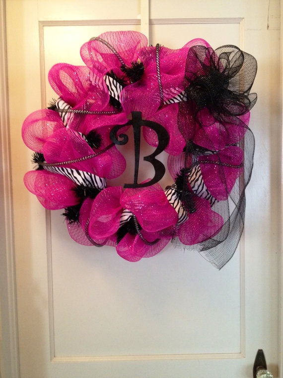 Hot Pink Zebra Wreath. LOVE!!!! (from etsy)