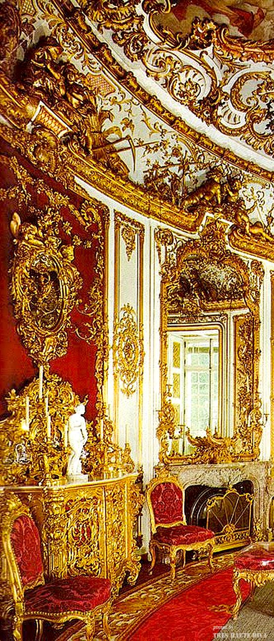 ~Ludwig's dining room at Linderhof | The House of Beccaria