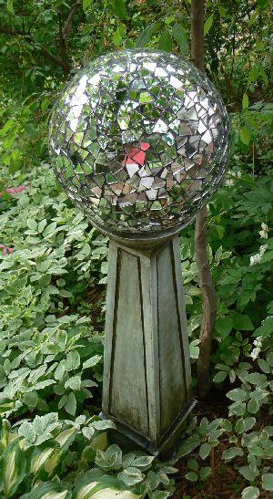 17 Best ideas about Garden Globes on Pinterest Garden balls Diy