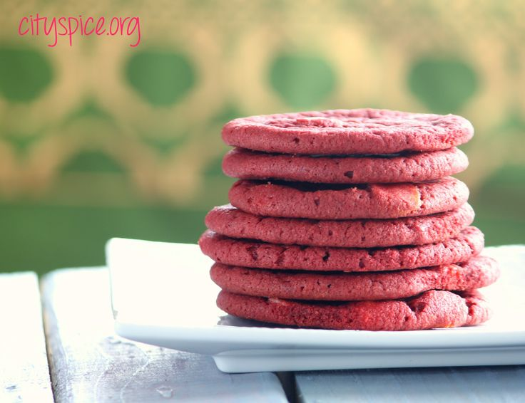 Red Velvet White Chocolate Chip Cookies with Macadamia Nuts {www.cityspice.org}