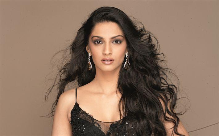 Download wallpapers Sonam Kapoor, 4k, Indian actress, makeup, brunette, bollywood, black dress, beautiful woman