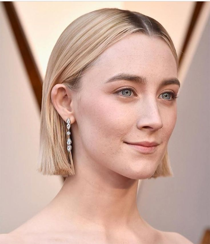 Saoirse Ronan wears Cartier earrings to the 2018 Oscars