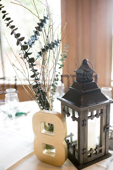 CraftyBridge: Wedding DIY: Flowerless Centerpieces You don't have to spend a fortune to have beautiful centerpieces at your wedding!
