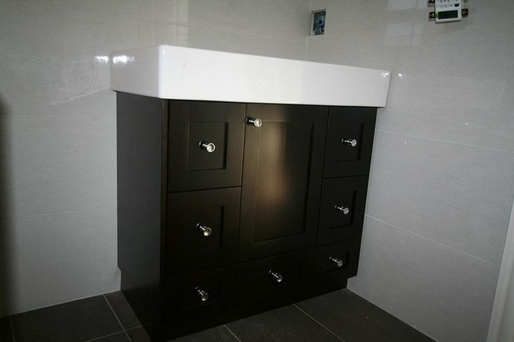 17 best images about vanities on pinterest contemporary - Bathroom vanity storage solutions ...