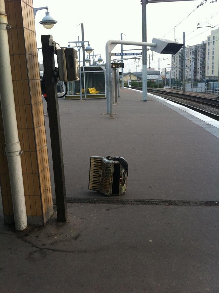 l'accordéon abandonné
