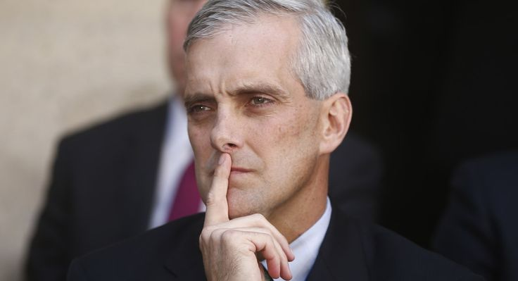 Denis McDonough's slip of the tongue - Jennifer Shutt - POLITICO Denis Richard McDonough is the 27th and current White House Chief of Staff, succeeding Jack Lew at the start of President Barack Obama's second term.