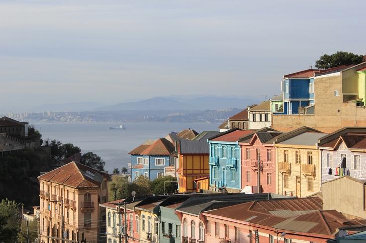 Valparaíso es un puerto cerca de Santiago. Se encuentra a 69,5 millas (111,8 kilometros) al noroeste de Santiago. Valparaíso es muy bonito y tiene muchos edificios hermosos.