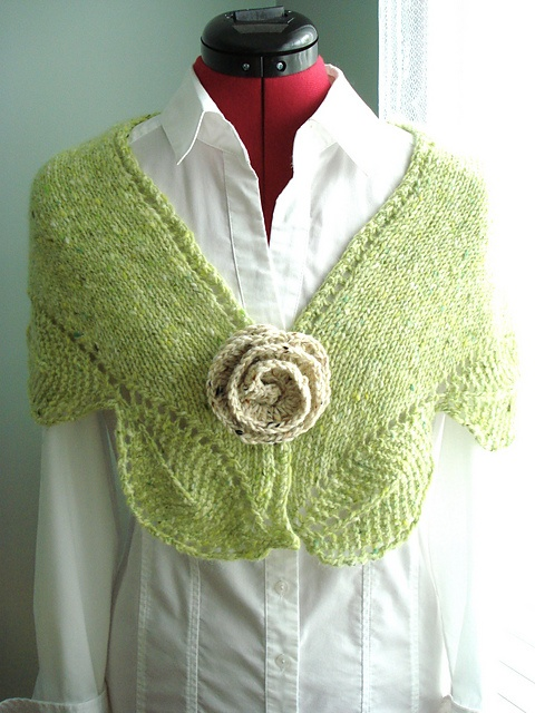 Garden View Shawlette (knit) by Tracey Withanee. This pattern is available as a free Ravelry download.