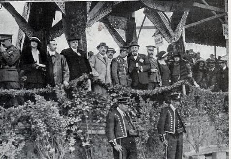 Les autoritats a la tribuna del Gran Premi de 1923. Vilafranca del Penedes . Penya rhin
