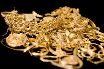 Pix For > Piles Of Gold Jewelry