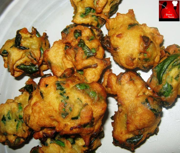 Palak Bhajiya or Spinach Fritters Recipe http://on.fb.me/1IvoAAm