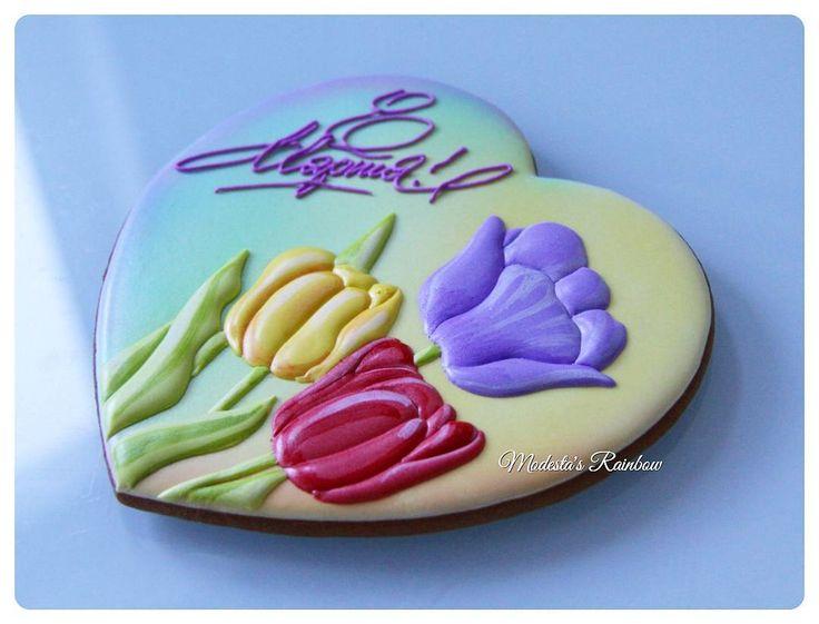 149 отметок «Нравится», 10 комментариев — @modestas_rainbow в Instagram: «В моей коллекции цветов на пряниках пополнение- эти яркие  тюльпаны- моя любовь! ❤ Все пряничные…»