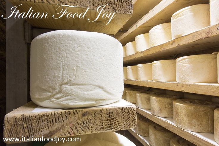 #Castelmagno authentic cheese for gourmets #Italian #Cheese www.italianfoodjoy.com for UK and other countries www.italianfoodjoy.de for DE and AT only