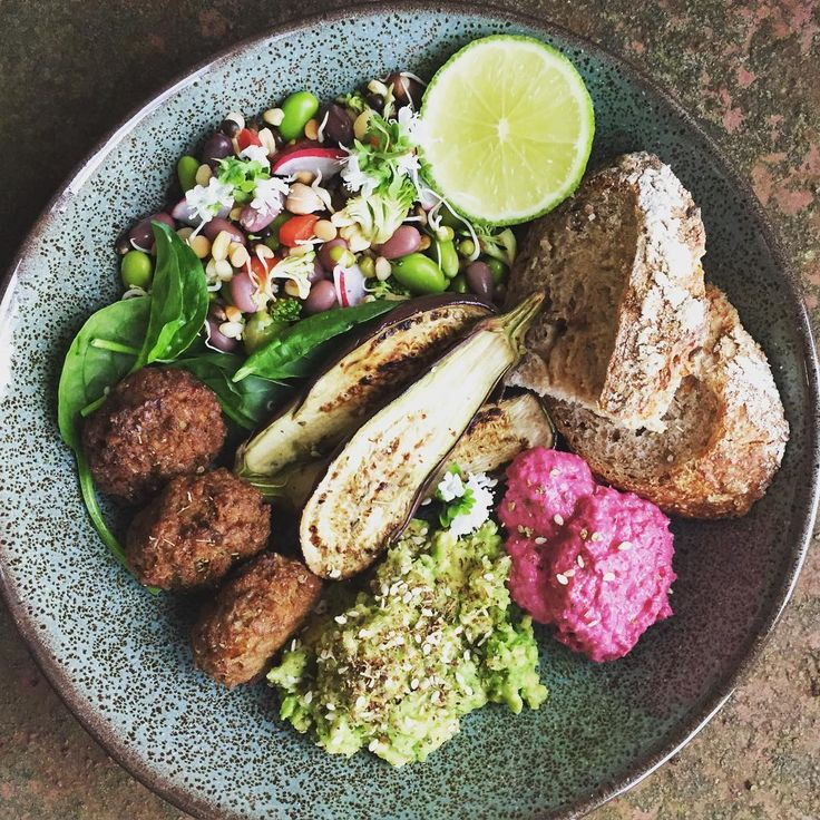 Bowl food heaven. I could eat this any day of the week! 🙌🏻🍃 My grain & bean salad, sweet potato falafel, smashed avo w/ za'atar, griddled baby aubergine, beetroot hummus & sprouting rye sourdough #recipe #plantbased #fitfood #wholefood #photography #healthy #vegan #eatclean #eatwell #eathealthy #healthyeating #cleaneating #glutenfree #vegetarian #photooftheday #instadaily #veganfoodshare #delicious #style #feedfeed @thefeedfeed #foodblogger #foodblog #blogger #foodie #food #eat #style…