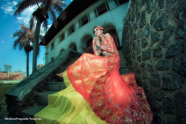 #Kebaya Pengantin Neng Lina, #Kebaya Indonesia, #Kebaya Pengantin Modern, #Kebaya Neng Lina di Malaysia, #Kebaya Wedding, #Wedding Kebaya, #Kebaya Modern Pengantin, #Desainer by Arif Susanto