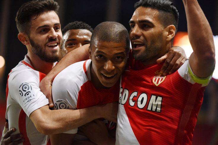 @Monaco #Falcao, Bernardo #Silva et #Falcao #L1 #Ligue1 #ASMASSE #ASMonacoChampi8ns #MakeHistory #ASMonaco #Monaco #UniqueForever #AllezMonaco #DagheMunegu #9ine