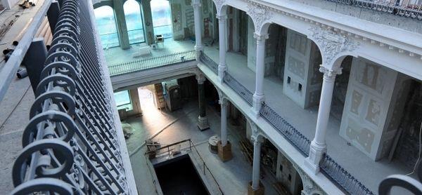 Cea mai frumoasă librărie Cărturești se deschide la palatul Chrissoveloni