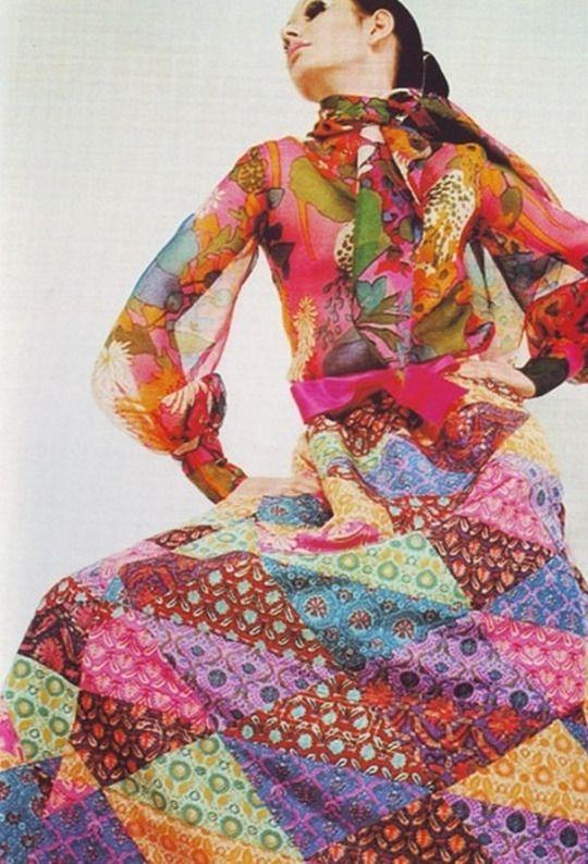 DES HISTOIRES DE MODE YSL patchworck dress, 1969.
