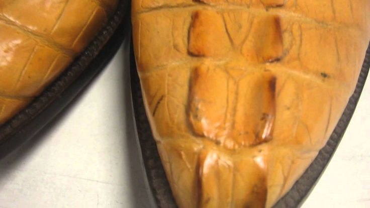 Lucchese Aligator Buttercup