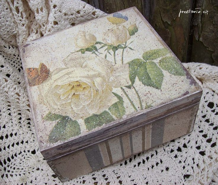pudełko z różą