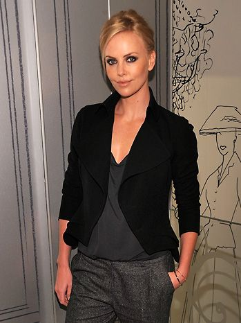 casual but smart - charlize theron