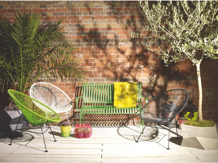with its vibrant colour and glossy finish the indu green metal garden bench is a statement piece that can be used in the garden on the patio or in the